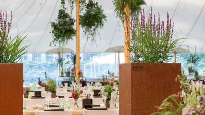 WALFiLii plantenbakken in cortenstaal en elke gewenste kleur decoreren het Pascale Guest event in het Wolvenbos in Kapellen