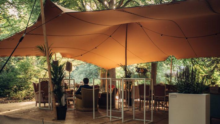 Pascale guests: gezellig thee drinken tussen de WALFiLii plantenbakken op maat