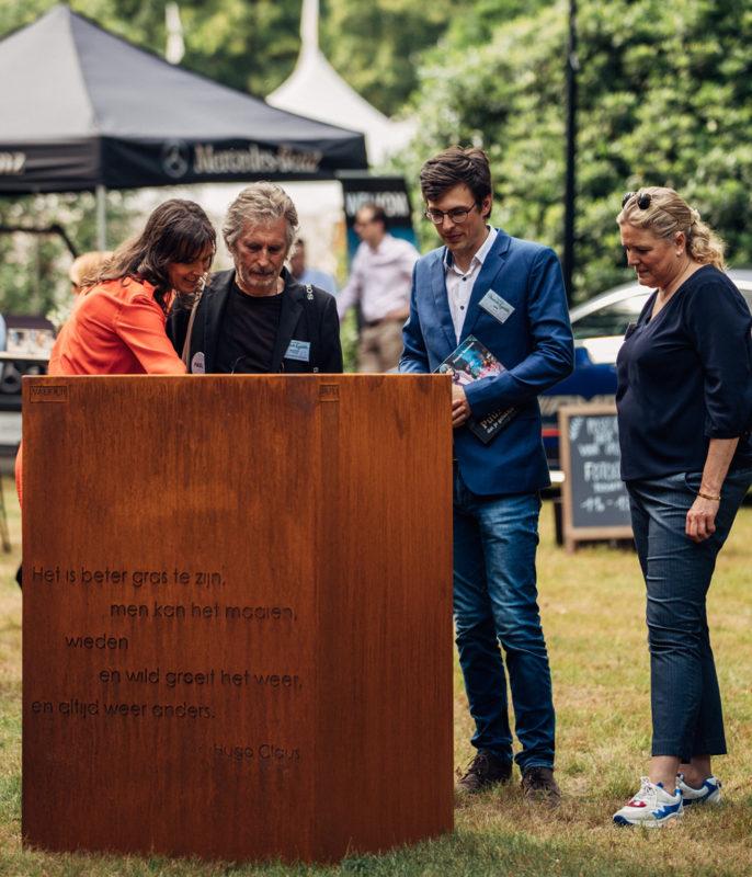 WALFiLii gepersonaliseerde cortenstaal kruidenbak als geschenk voor Pascale Naessens en Paul Jambers